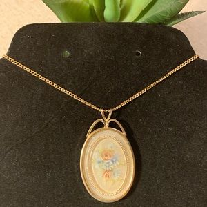 Jewelry - Victorian vintage floral necklace